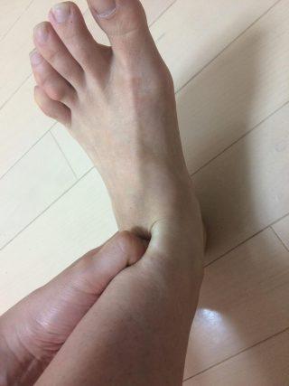 足首の硬さは血流の流れを止める?!